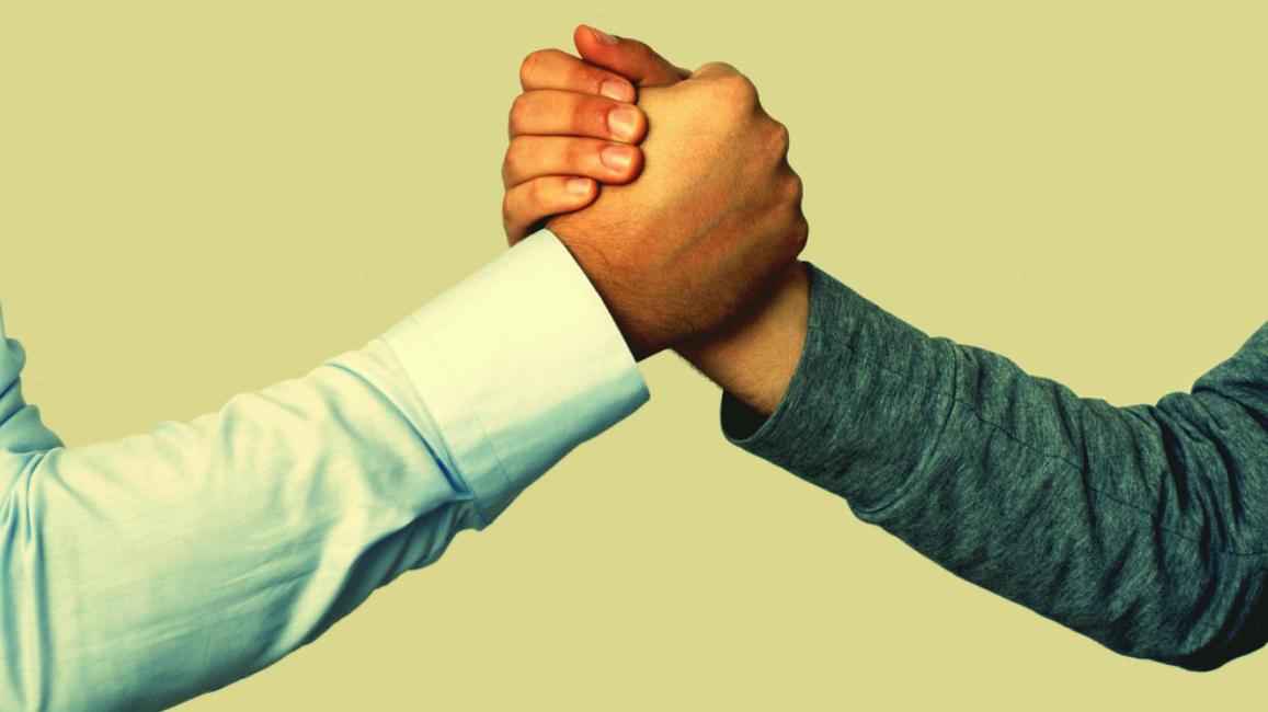 Handshakelargev2